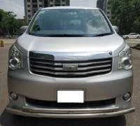 Toyota SI Noah 2012