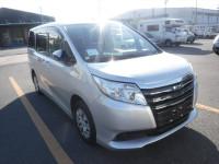 Toyota Noah Non-Hybrid 2016
