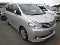 Toyota Noah XL 2012