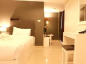 Double Bed Room Booking at 3 Star RetrOasis Hotel in Bangkok