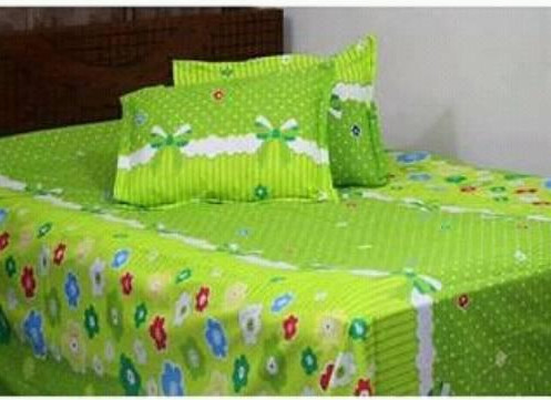 Bed Sheet 8 x 7.5 Feet with 2 Pillow Cover