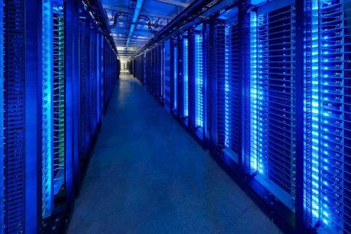 Linux Website Hosting 1 GB SSD Disk Space Unlimited MySQL