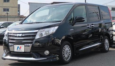 Toyoya Noah G Hybrid 2014 Black Color
